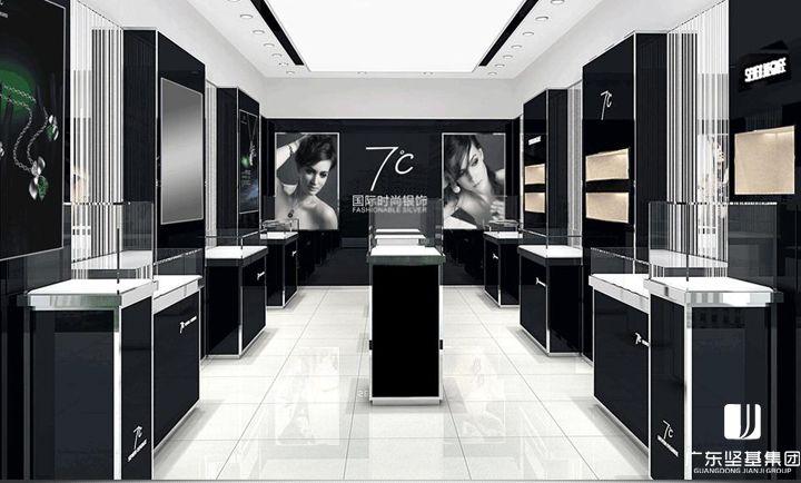 """国际时尚银饰""""七度""""强势进驻JJMALL(坚基购物中心)二楼。七度公司始创于2002年9月,是中国最具影响力的银饰公司之一。每年,在中国各地,七度公司的首饰、饰品与全国二十多个省市和地区的高端女性发生着千万次亲密接触。2002年,七度公司落户于珠宝之都深圳,从此开始了首饰、饰品业务发展的历程,产品远销世界各地,拥有直营、加盟店逾1700多家。"""